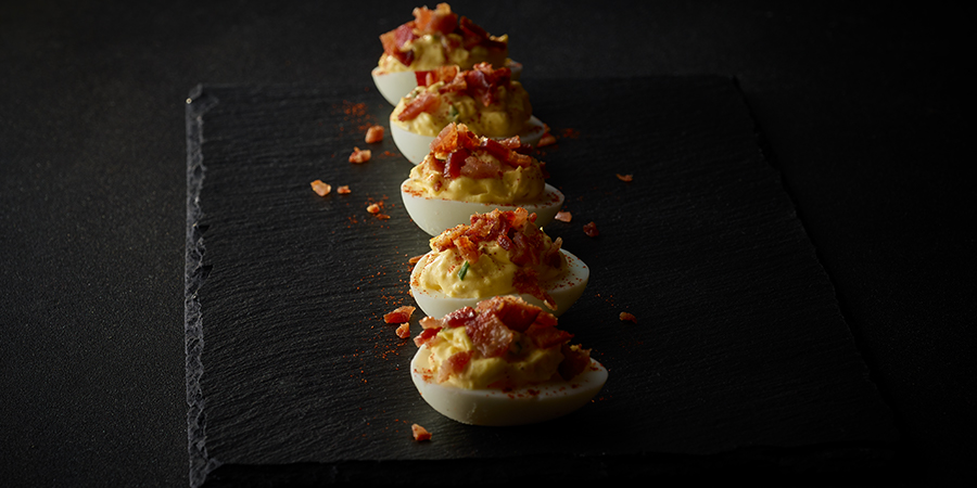 <strong>Bacon Deviled Eggs</strong>