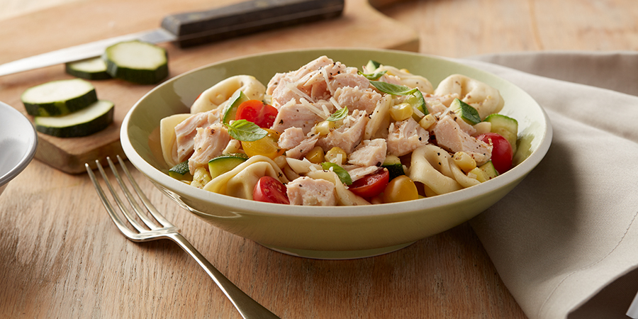<strong>Tortellini Chicken & Corn Pasta Salad</strong>